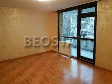 Novi Beograd - Blok 34 Carina Fontana ID#28626