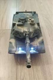 Tenk na daljinski upravljač
