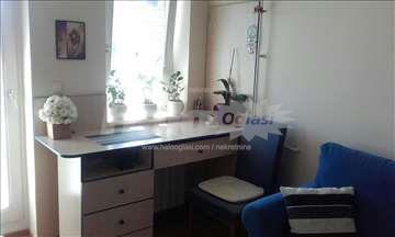 Namješten stan 45m2 sa balkonom 380 EUR
