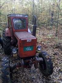 Prodajem traktor Ltz T40, sa duplom vučom