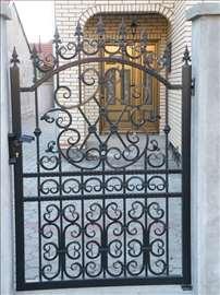 Ograde, kapije, rešetke, nadstrešnice