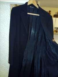 Crni tanji kaput do kolena 40 strukiran