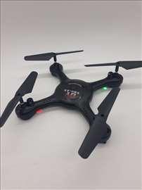 Dron helikopter kvadrokopter X8U