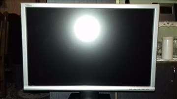 Racunar - kompletan sa velikim monitorom- Extra