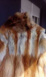 Prodajem bundu od oravog lisičijeg krzna