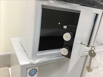 Ruski sef mehanički, za nakit, novac, pištolj, nov