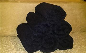 Crni peškiri za frizere