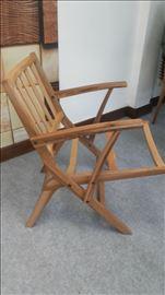 Stolice puno drvo