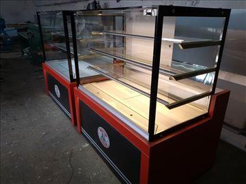 Topla vitrina sa ravnim staklima debljine 10mm