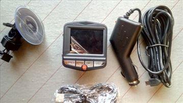 Auto kamera(1,600 dinara)