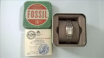 "Prodajem ženski ručni sat marke ""Fossil"""