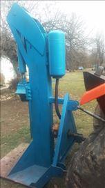 Hidraulicni cepač za drva