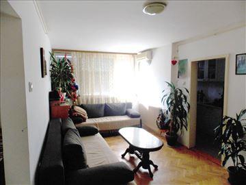 Dvoiposoban stan u Duvaništu