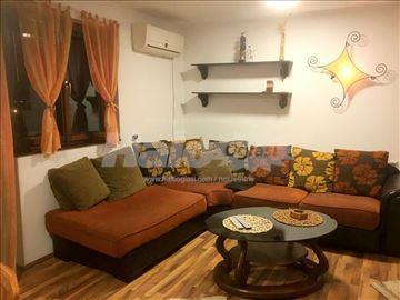 Izdajem namesten stan u Kosovskoj Mitrovici - 75m2