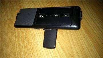 Bluetooth uređaj sa štipaljkom za auto