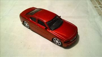 Burago Dodge Charger 1:43, China, naprsla stakla