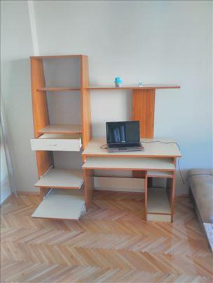 Kompjuterski sto sa komodom