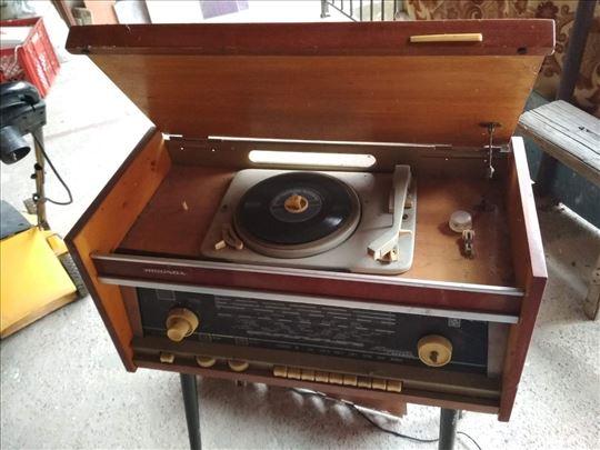 Radio sa gramofonom Rigondo