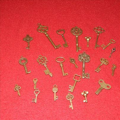 Ključevi za dekoraciju i nakit, Lot 2, 23 komada