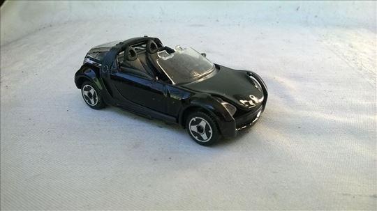 Burago Smart cabrio 1:43,China,fali pr.maskaokvir