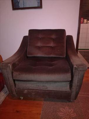 Dve fotelje