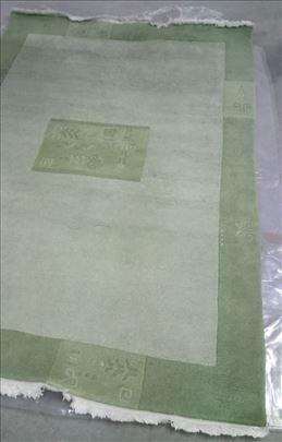 Komplet: 2 tepiha i 2 staze