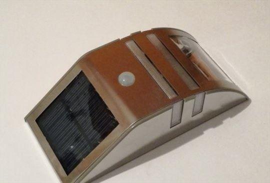 Solarna spoljna sveteljka sa senzorom