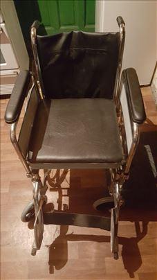 Invalidska toaletna kolica