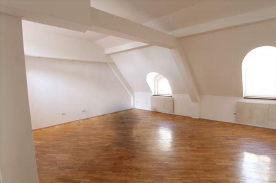 Izuzetan, renoviran stan za PP! POVOLJNO! ID 3827