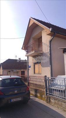 Prodajem kucu u Atenici kod Plave hale