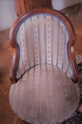Stilski nameštaj- Bidermajer fotelje i sto