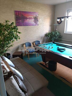 Stambeno-poslovni prostor 90m2 Lux