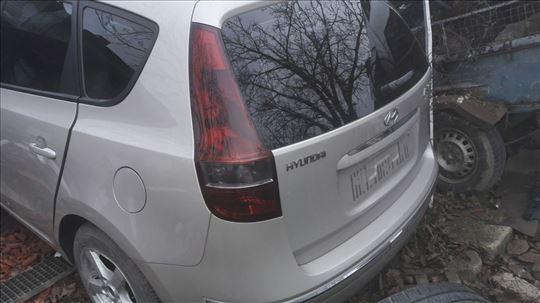 Hyundai i30 karavan u delovima