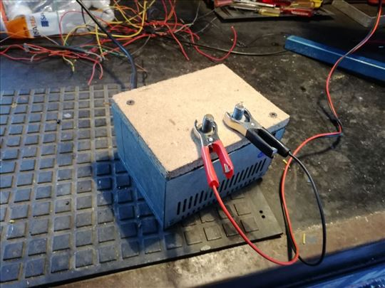 Ispravljac - adapter 12 volti