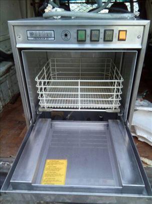 Mašina za pranje čaša sva od prohroma