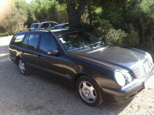 Mercedes E klasa 2002 w210 220 cdi delovi-povoljno