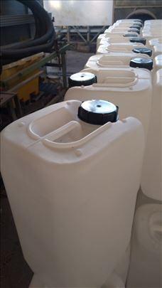 Plasticni kante od 30 lit