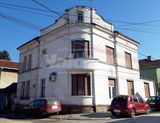 Na prodaju kuća u centru Vlasotinca