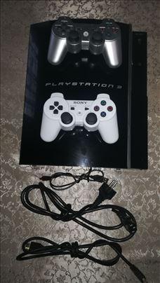 Prodajem Sony PS 3 u odličnom stanju
