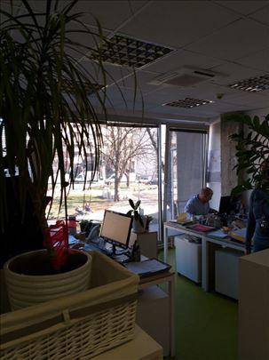 Moderne kancelarije blizu Kneza, poslovna zgrada
