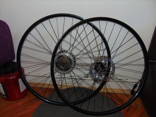 Prodajem tockove 28' za bicikl e odlicnom stanju