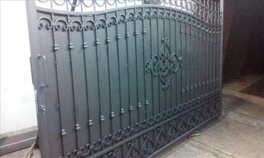 Kapije, ograde