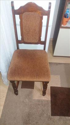 Na prodaju sto sa stolicama