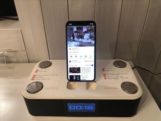 XtremeMac Luna Radioalarm sa Apple Dockingstation