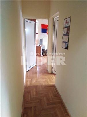 Solidan stan u potkrovlju ID#98534