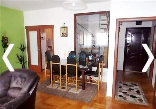 Trosoban stan na Pivari sa dva garazna mesta
