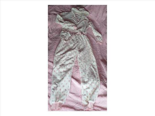 Jednodelna plišana pidžama