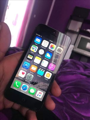 iPhone 5 extra stanje, hitno