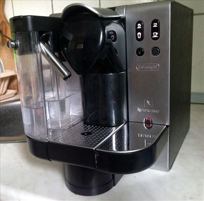 DeLonghi nespresso aparat - kao nov