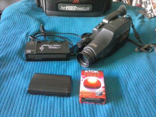 JVC kamera sa opremom